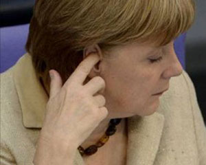<b>Merkel seçkilərdə ən ağır məğlubuyyətə uğradı </b>