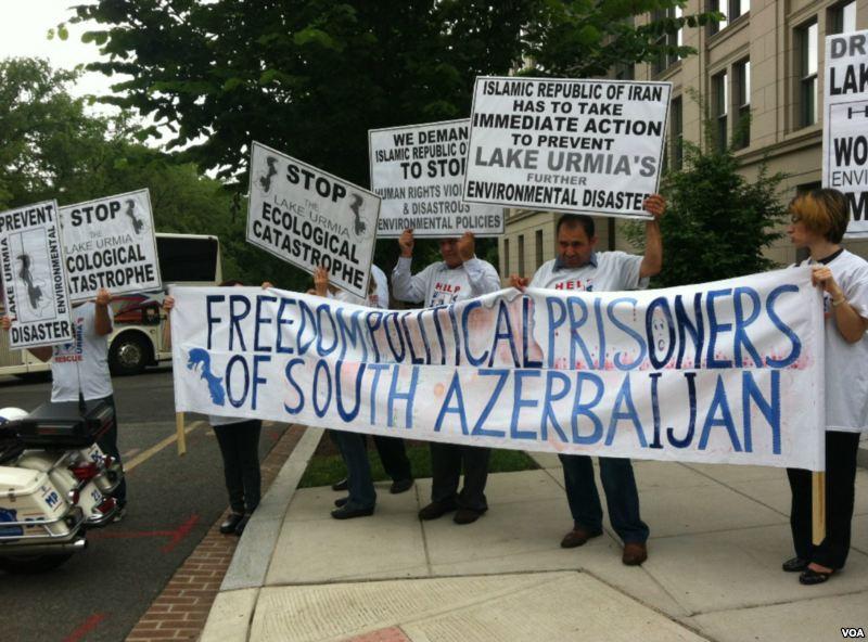 Azərbaycanlılar Dövlət Departamentinin binası qarşısında aksiya keçirdilər
