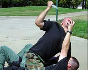 <b>MTN-in polkovnik-leytenantı bıçaqlandı</b>