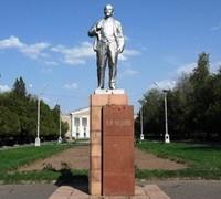 Leninin kəlləsi qoparıldı
