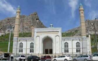 Ölkənin ən böyük məscidi açıldı