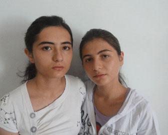<b><b>Qarabağ qazisinin qızları… - <font color=red><font color=red>Göz yaşı içində gülüş </b></font></b></font>