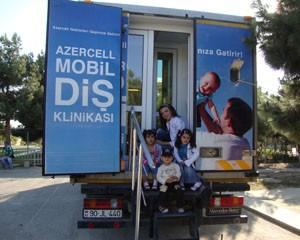 """<b>Azercell-in """"Mobil Diş Klinikası"""" minlərlə uşağa yardımçı oldu</b>"""
