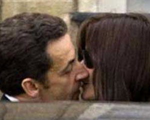 """Sarkozi-Bruni sevgisi saxtadır"""
