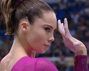 Bütün dünyanı mat qoyan 17 yaşlı olimpiyaçı - <font color=red>Video</font>
