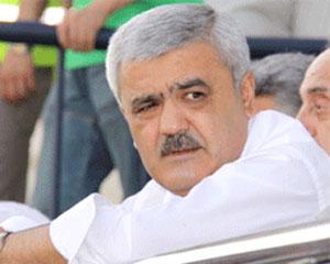 <b>Rövnəq Abdullayevin qovduğu işçilər yolu bağladı</b>