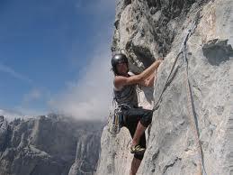 Alpinistlərimiz zirvəyə qalxır