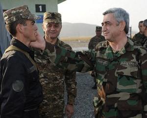 <b>Sarkisyan Qarabağda hərbi təlimlərdə iştirak etdi - <font color=red>Fotolar</b></font>