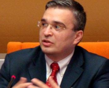 <b>Milli Məclisin 20 üzvündən İlqar Məmmədova qarşı məhkəmə iddiası</b>