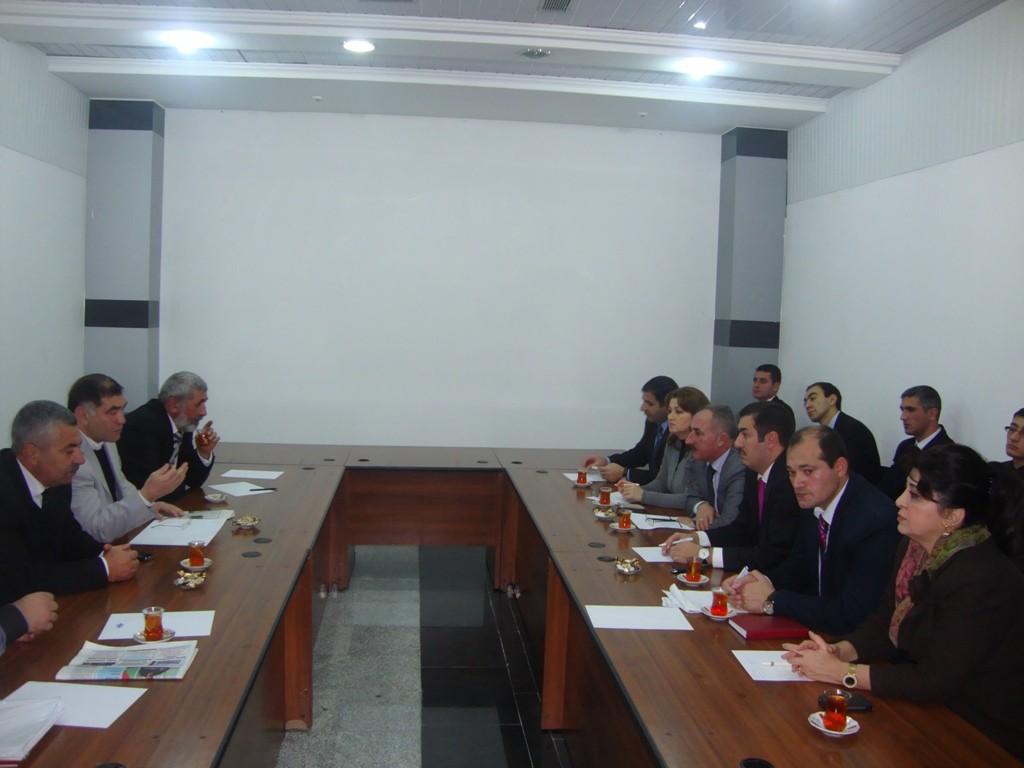 Gürcü deputatlarla görüş keçirildi