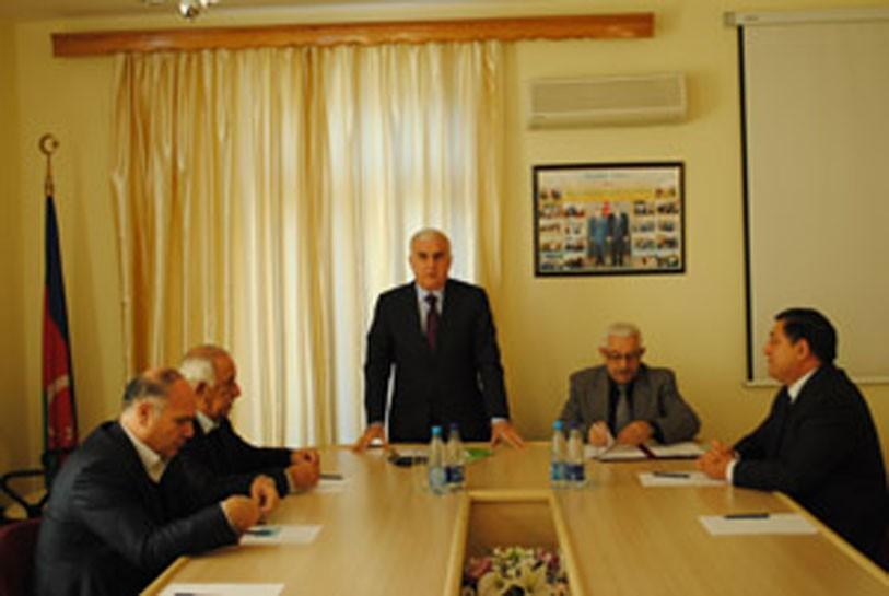İsmət Abbasov yenidən prezident seçildi