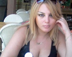NATO müfəttişi azərbaycanlı müğənnidən boşandı