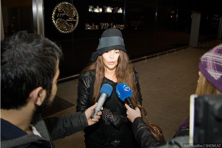 Aygün Kazımova Bakıya döndü