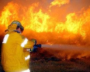 Bakıda iki ev yandı