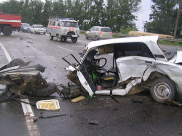 Avtomobillər toqquşdu –<font color=red> 1 ölü, 2 yaralı</font>