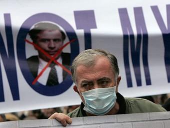 Saakaşvilinin istefası üçün milyon imza toplanıb