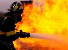 Abşeronda ev yandı