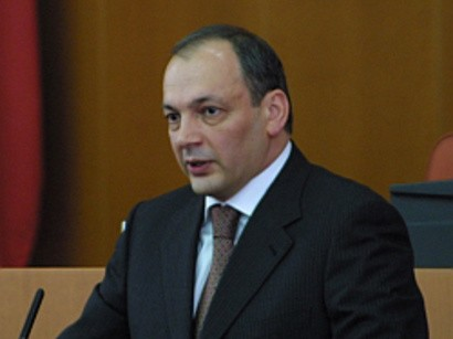 Putin Dağıstan prezidentini istefaya göndərdi