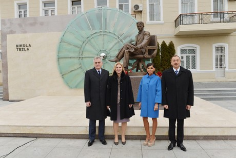 Prezidentlər və xanımları abidənin açılışında - <font color=red>Fotolar</font>