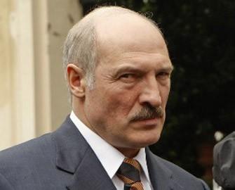 Lukaşenko yıxıldı -<font color=red> Video</font>