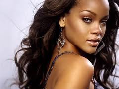 Rihannaya hücum etdilər - <font color=red>Video</font>