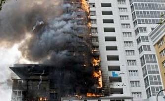 Bakıda bina yandı - <font color=red>Sakinlər evakuasiya olundu+Foto</font>