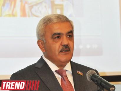 Rövnəq Abdullayev 640 milyonluq stadiondan danışdı