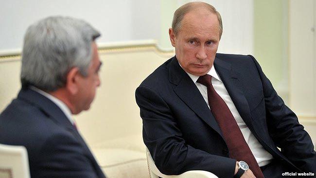 Sarkisyanla Putin görüşdü