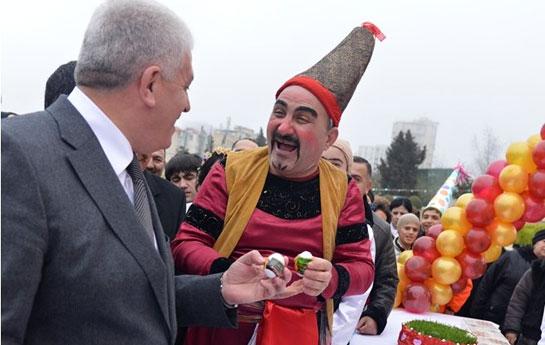 """""""Azərsun Holdinq"""" Novruz şənliyində iştirak etdi <font color=red>(R)</font>"""