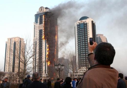 Kadırovun Depardyeyə bağışladığı ev yandı - <font color=red>Video+Fotolar</font>