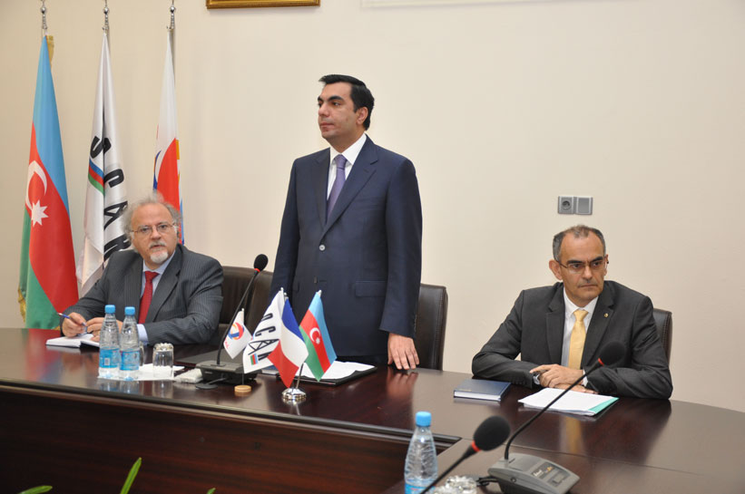 Elmar Qasımov əməkdaşlıq protokolu imzaladı