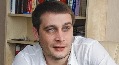 Azərbaycanlı yazıçı ermənilərə başsağlığı verdi - <font color=red>Qalmaqal</font>