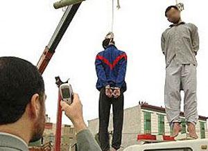 İranda iki nəfəri asdılar