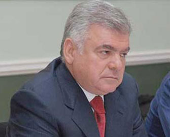 Ziya Məmmədov jurnalistlərə hücum edəni işdən qovdu
