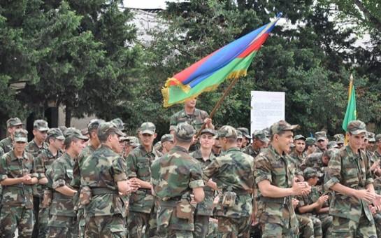 Azərbaycanda hərbçilərin maaşı qaldırıldı
