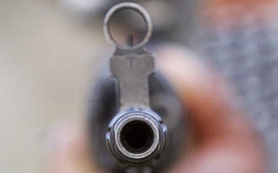 Bakıda SOCAR-ın işçisi silahla camaatı qorxudub -