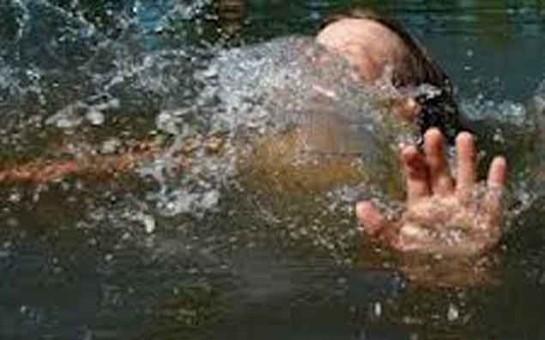 Kanalda boğulanın axtarışı aparılır