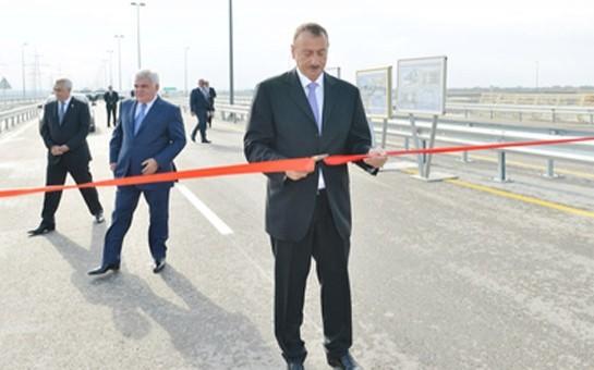 İlham Əliyev yolun açılışını etdi-