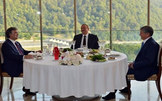 Prezidentlər axşam yeməyində bir araya gəldilər-