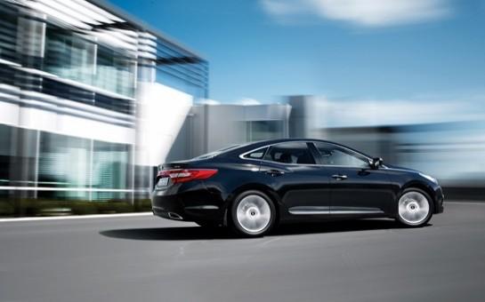Hyundai diqqəti premium modellərindən birinə çəkdi -