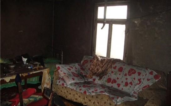 3 qardaşın yandırıldığı evdən-