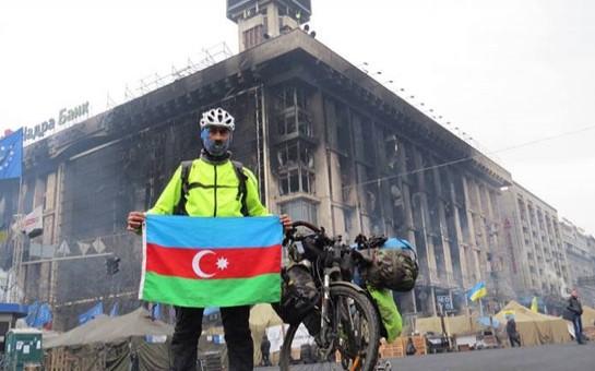 Azərbaycanlı səyahətçi Kievə getdi-