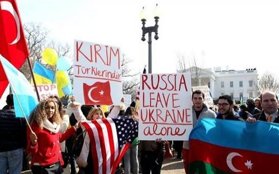 Ukraynada yaşayan azərbaycanlılar Rusiyanın təcavüzünə etiraz aksiyası keçirdi
