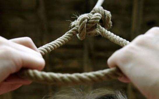 Ağsuda məktəbli qız intihar etdi