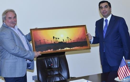 """Ali Neft Məktəbi ilə """"Halliburton"""" şirkəti arasında razılaşma imzalanıb"""