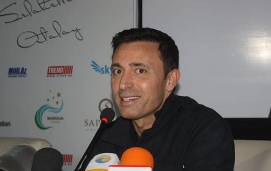 Mustafa Sandal Bakıda-