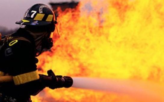 7 otaqlı ev yandı