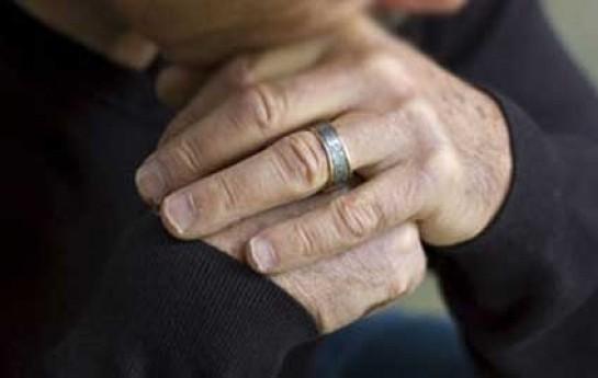 85 yaşlı kişi 80 yaşlı qadını zorladı
