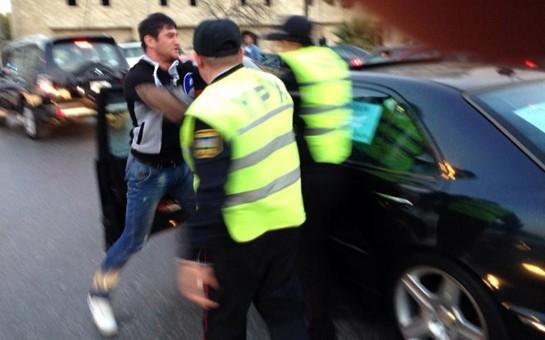 """Sürücü ilə polis arasında qalmaqal: """"Avtomobilim qanunsuz olaraq cərimə meydançasına aparılıb"""""""