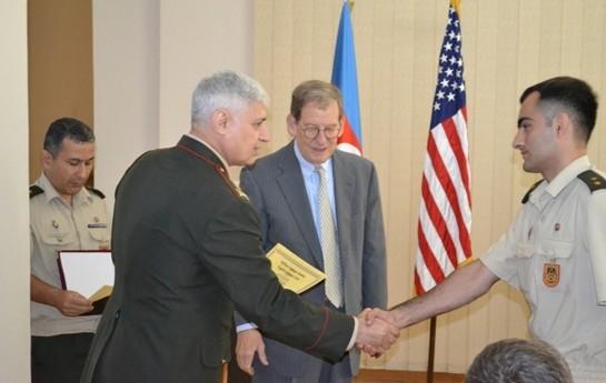 Morninqstar Azərbaycan hərbçilərinə sertifikat verdi